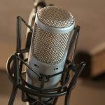 ¿Cómo hablar ante un micrófono de estudio?
